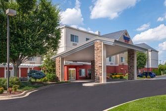 Fairfield Hotel Frederick Front Entrance