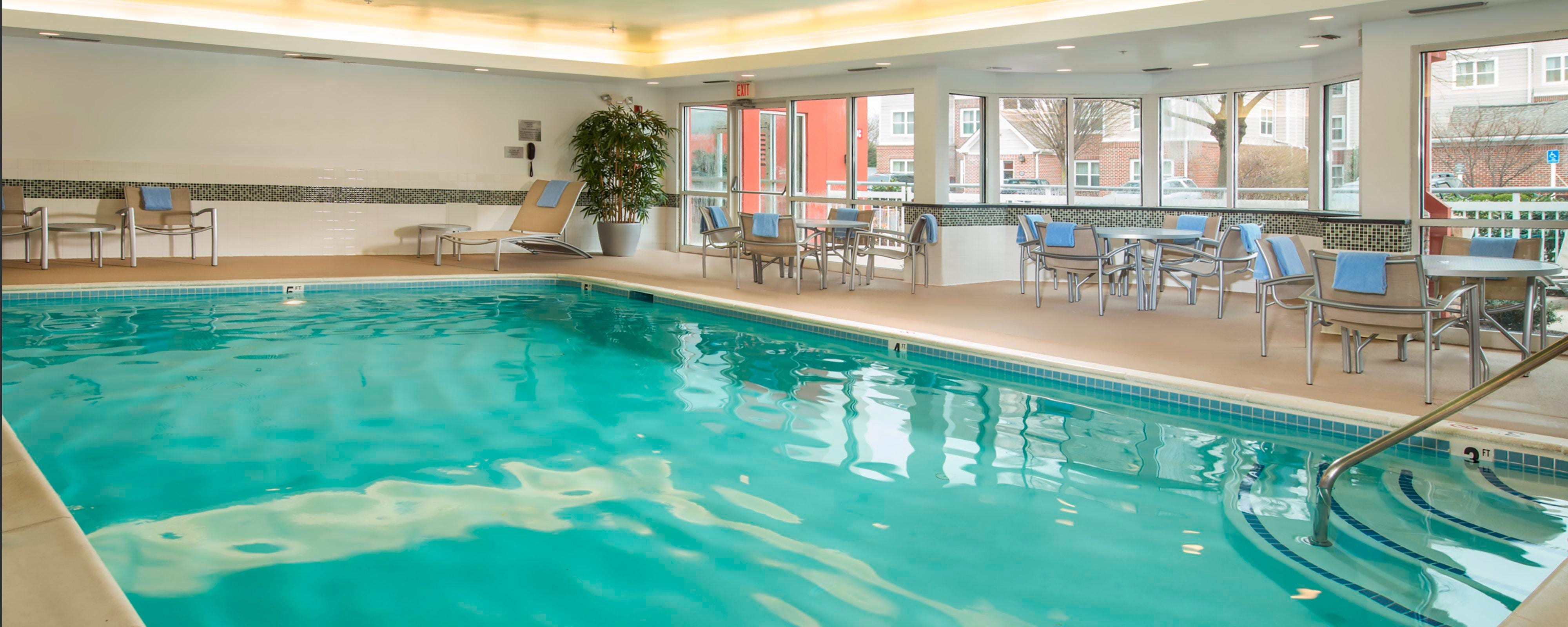 Frederick Fairfield Hotel Indoor Pool