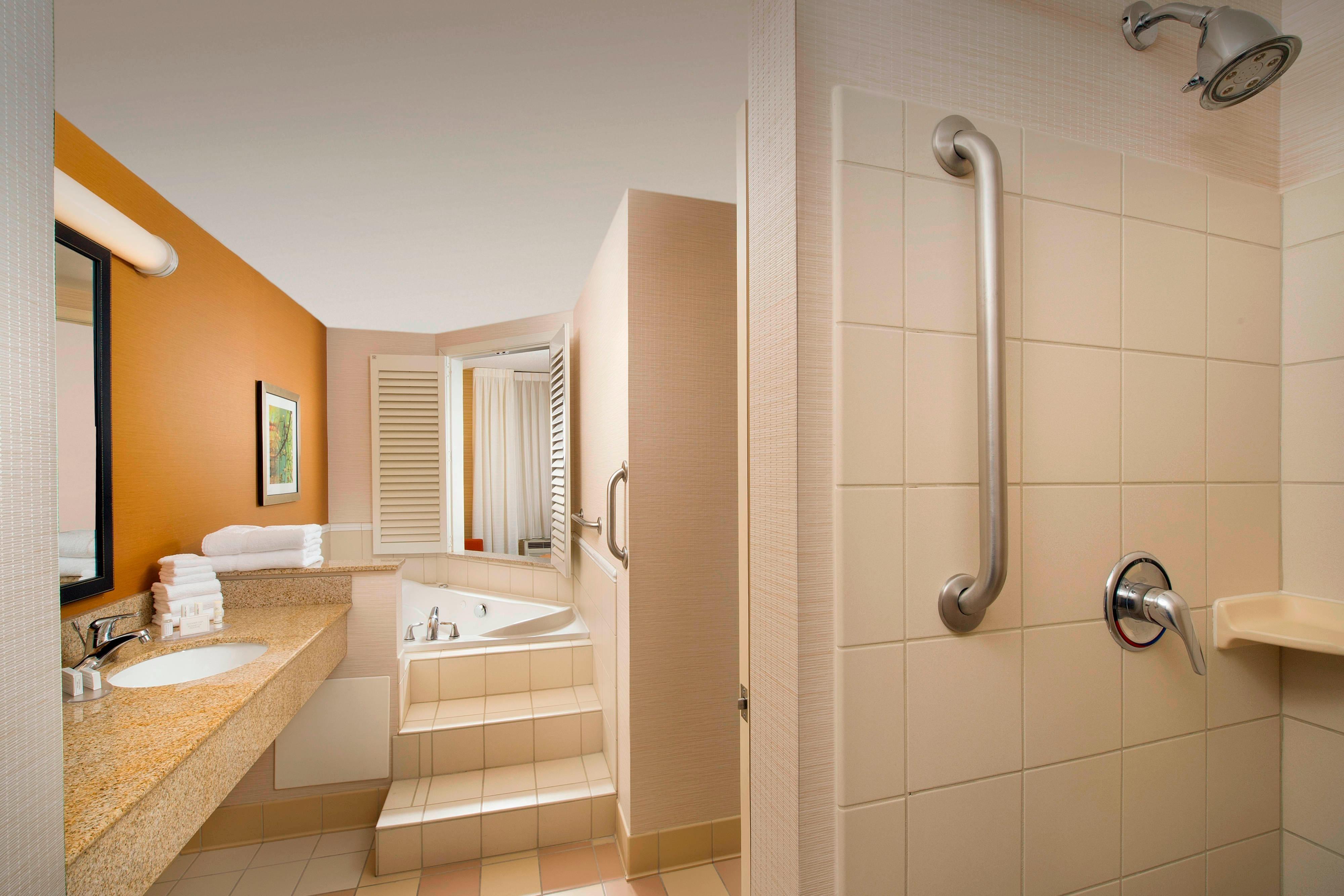 Whirlpool Suite Bathroom Germantown