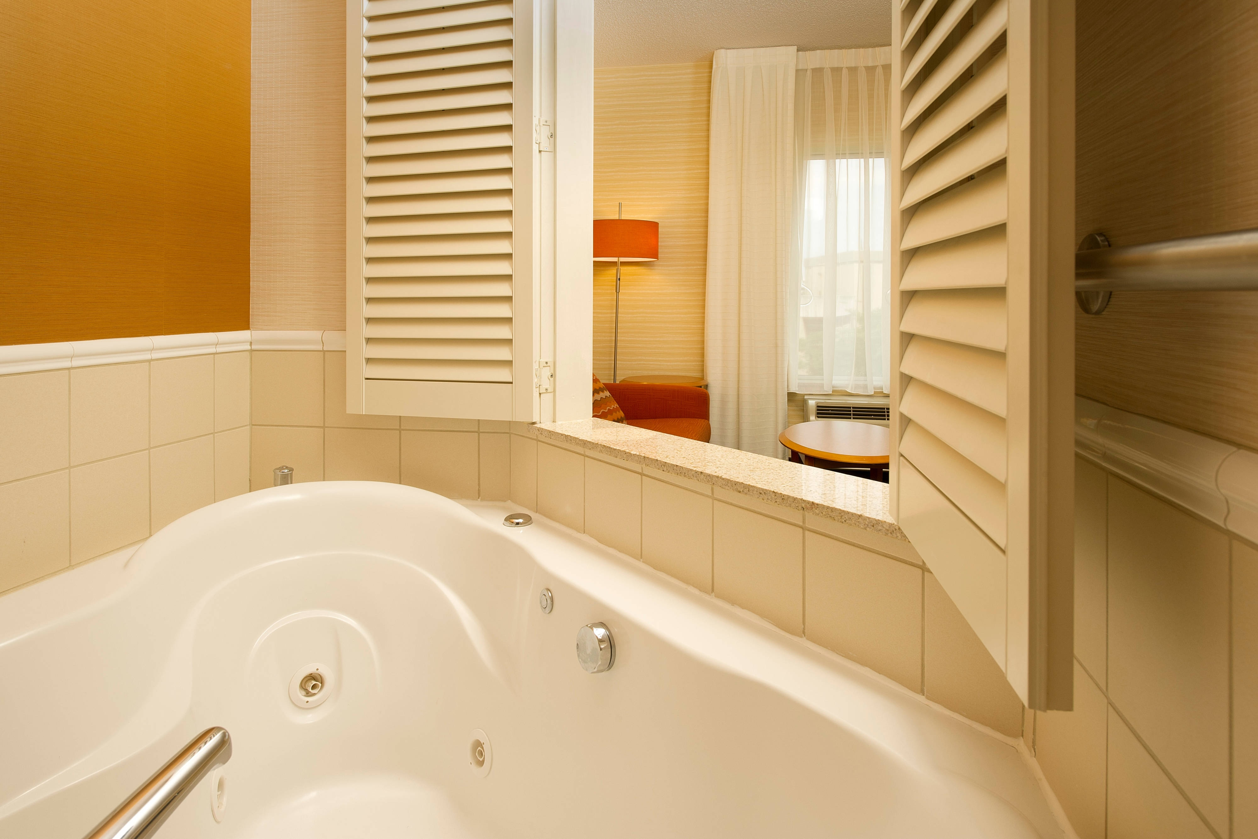 Germantown Maryland Whirlpool Suite