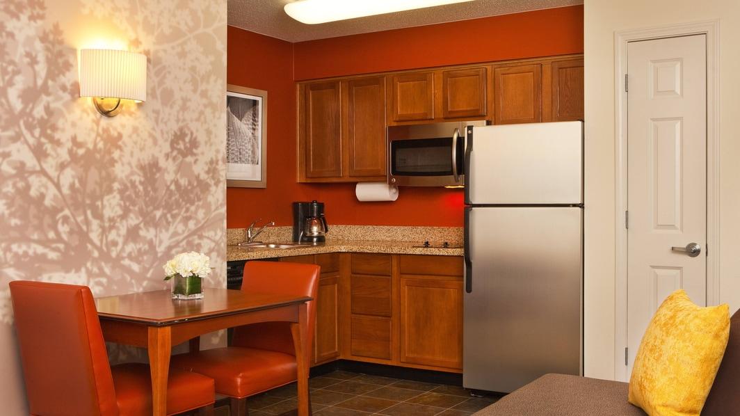 Küche einer Suite in College Park