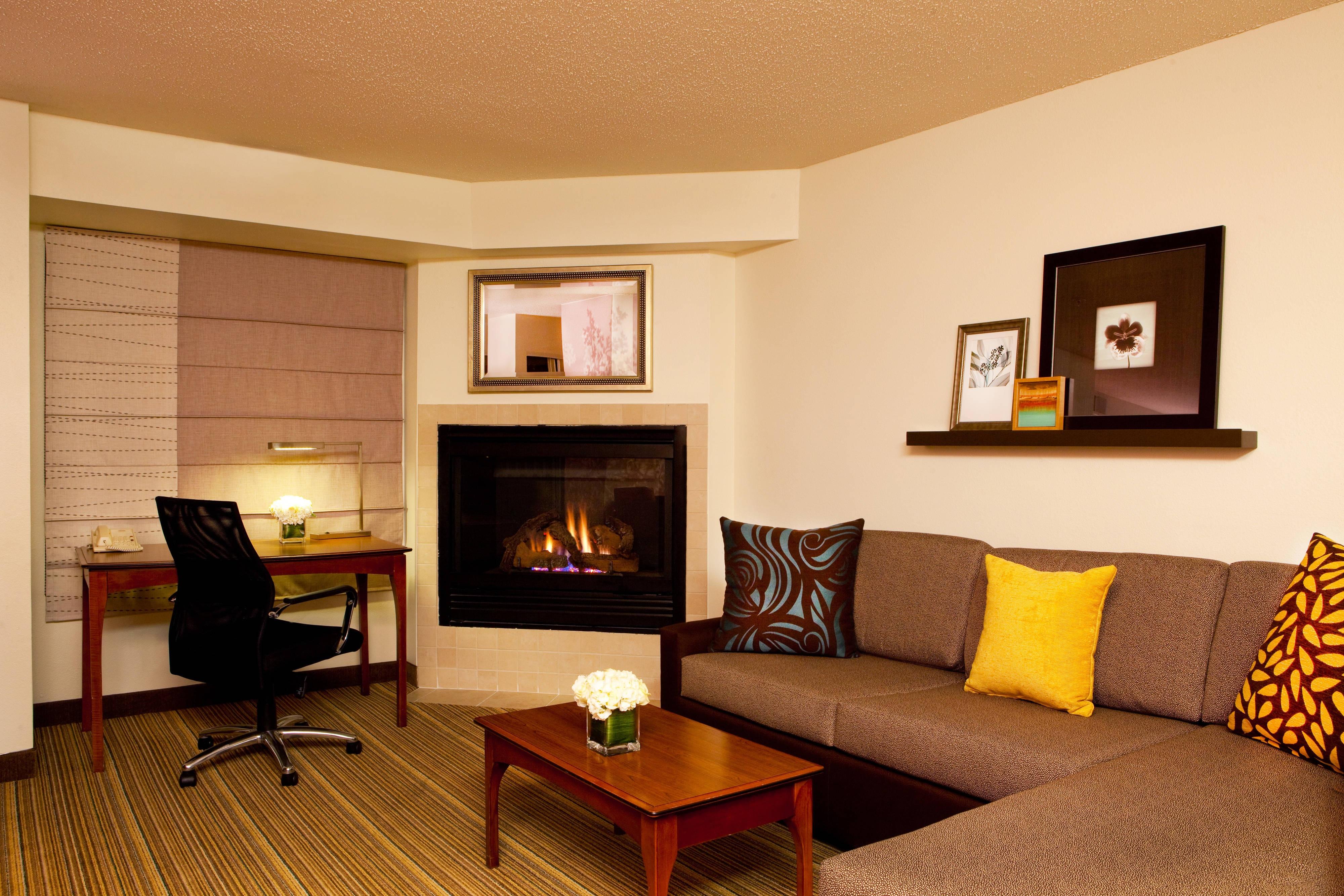 Studio Suite - Fireplace