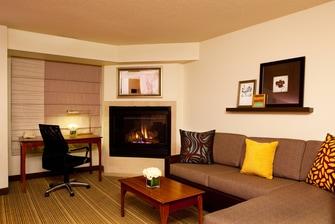 College Park hotel suite