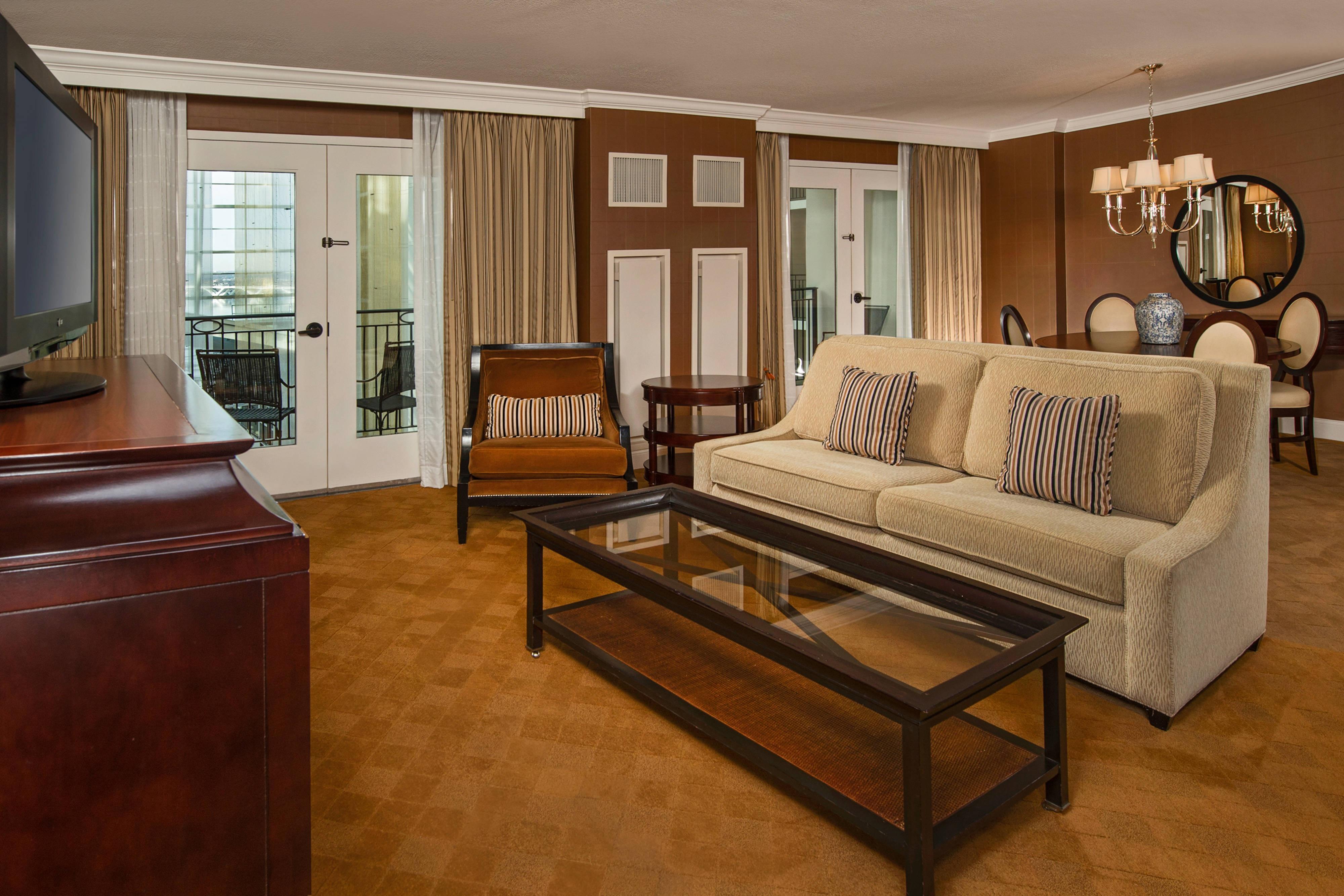 Suite à une chambre avec vue sur l'atrium