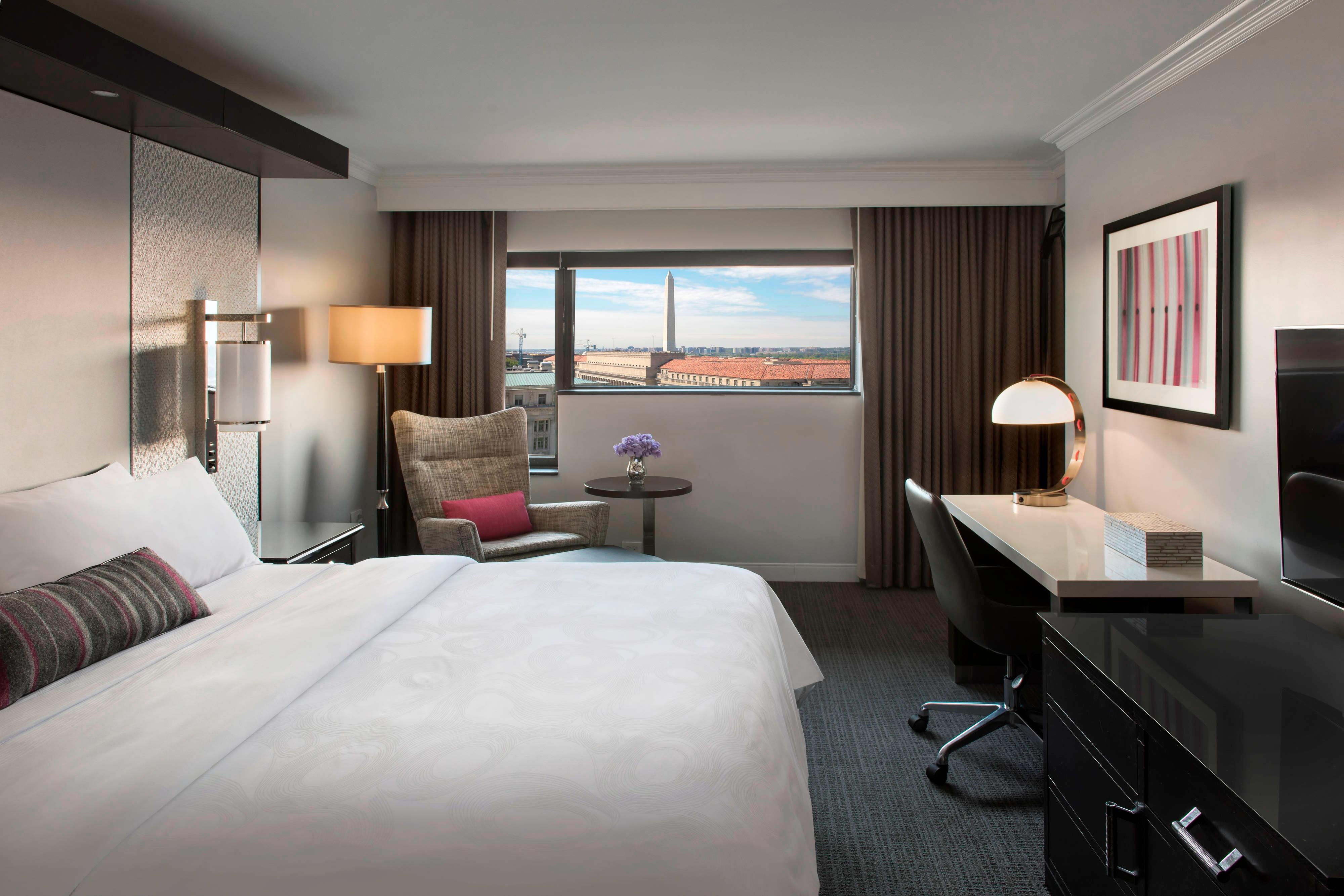 King Executive Level Guest Room - City View