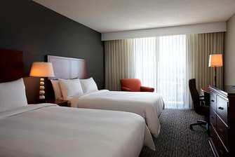 Hotels Near Rosslyn, VA