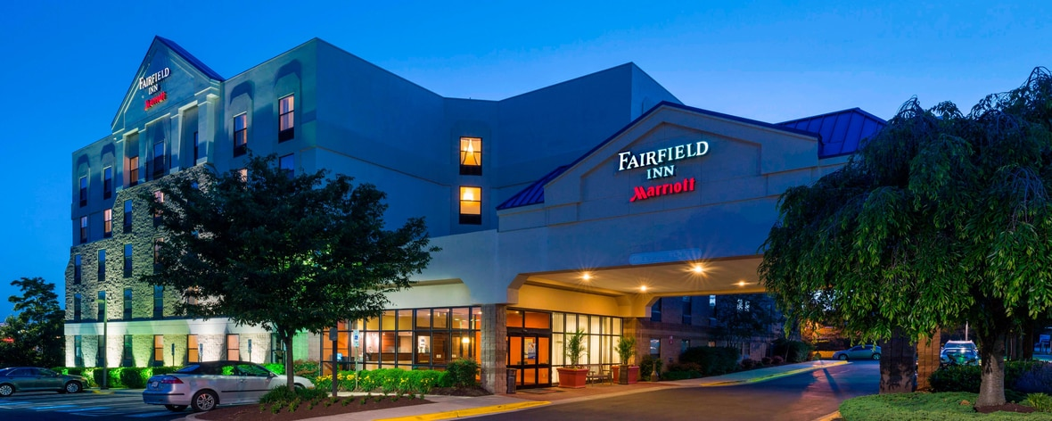 Laurel Maryland Hotel With Pool View Photos