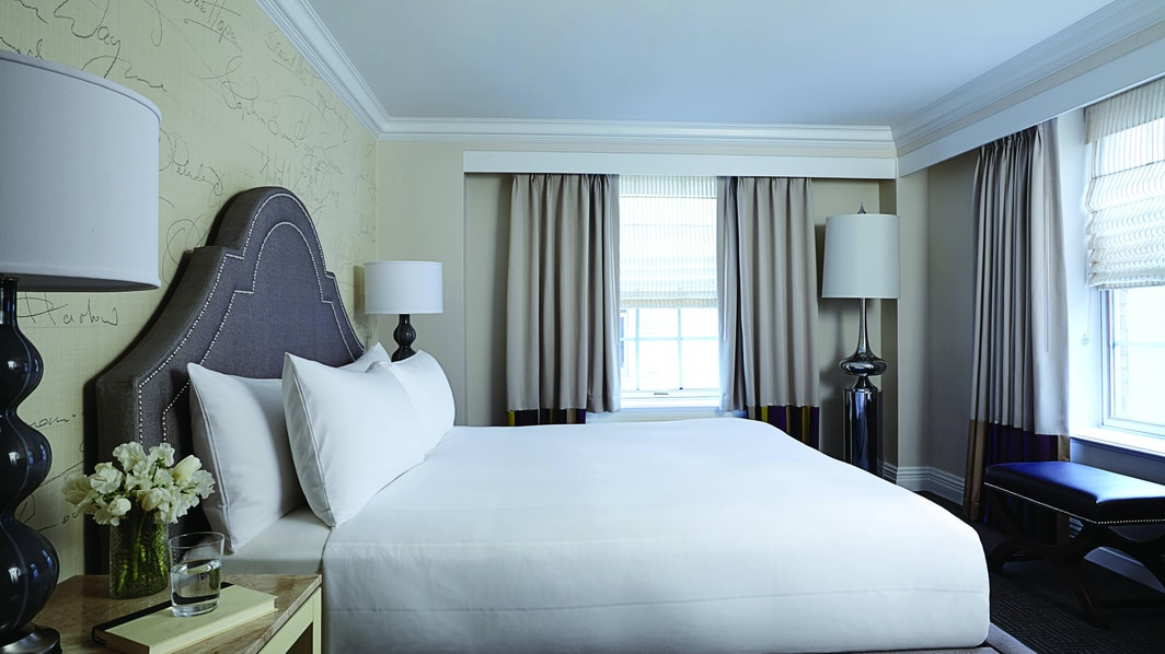 Executive King Suite – Bedroom
