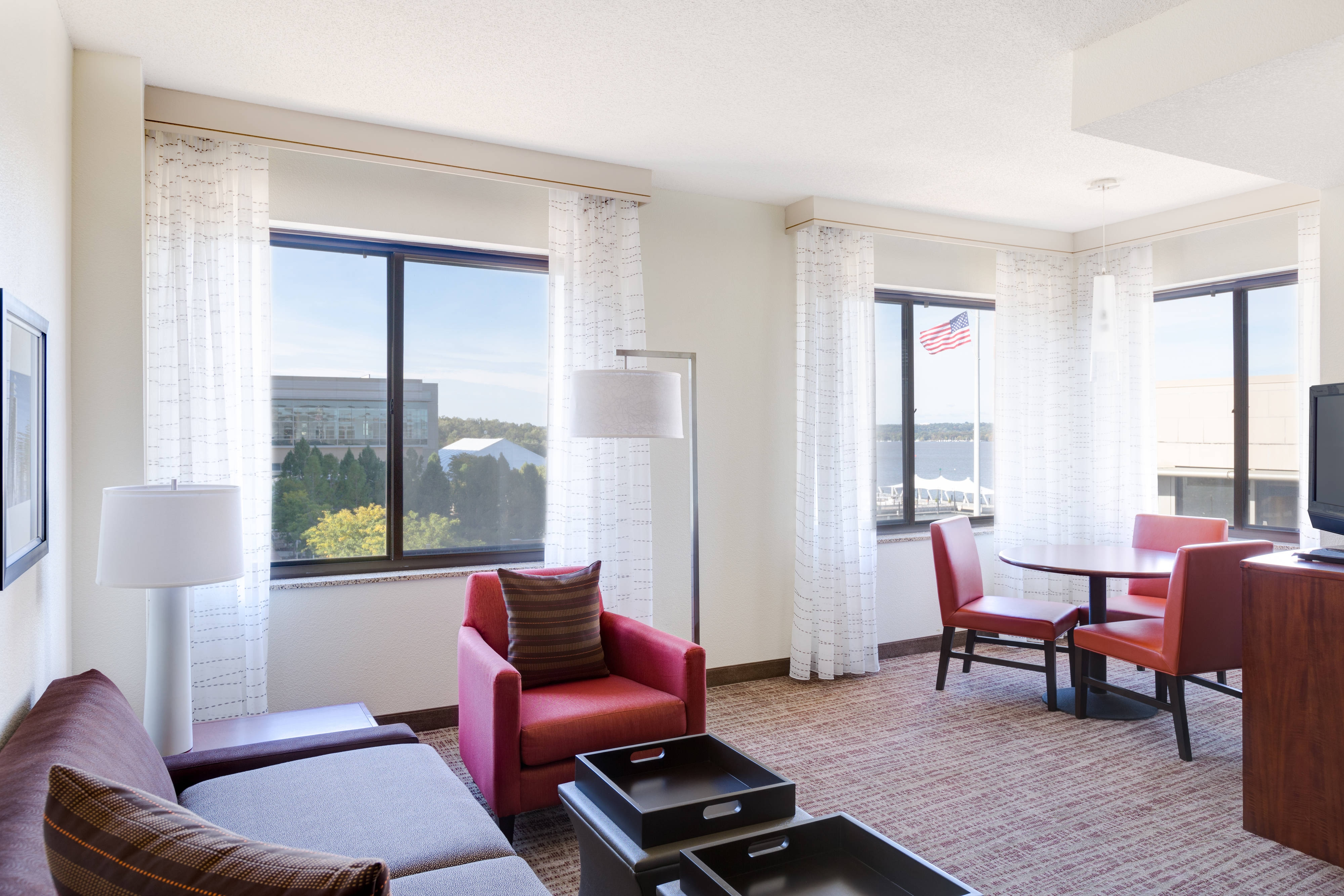 One-Bedroom Suite - Potomac River View