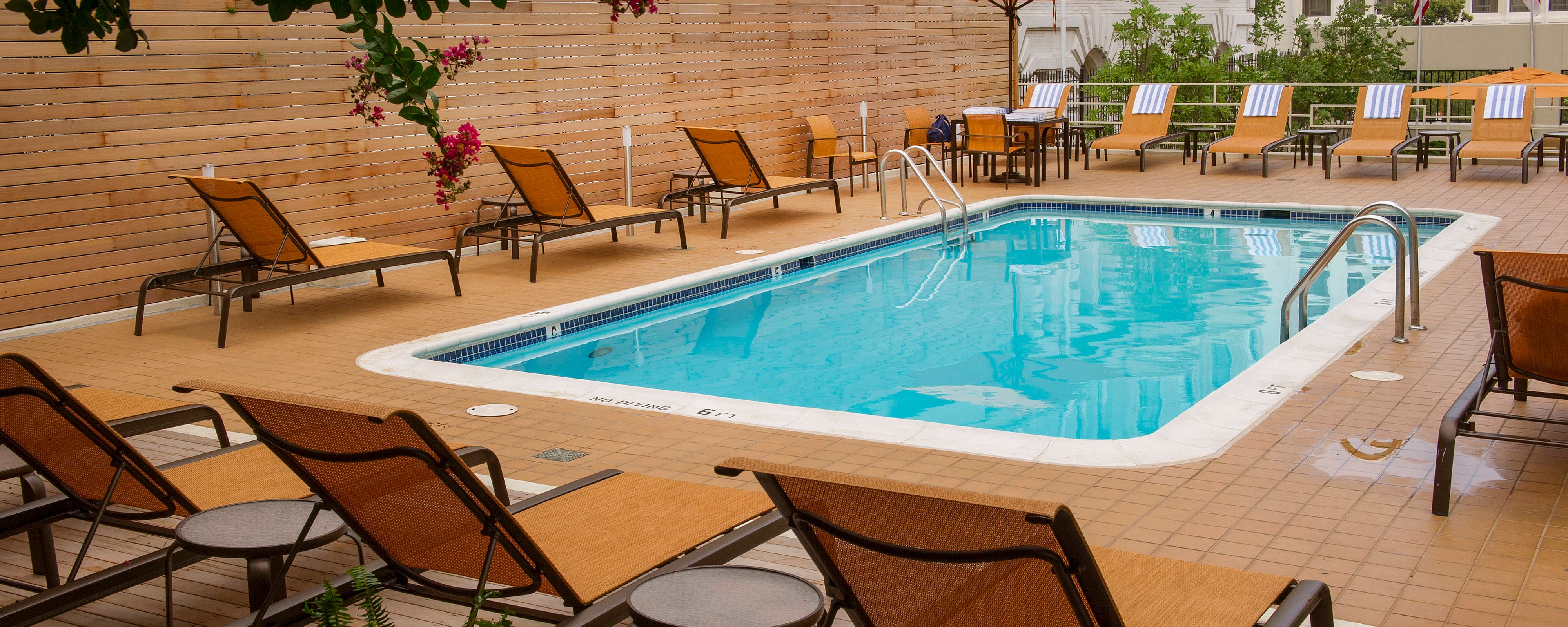 Washington d c hotels with outdoor pool courtyard - Washington park swimming pool hours ...