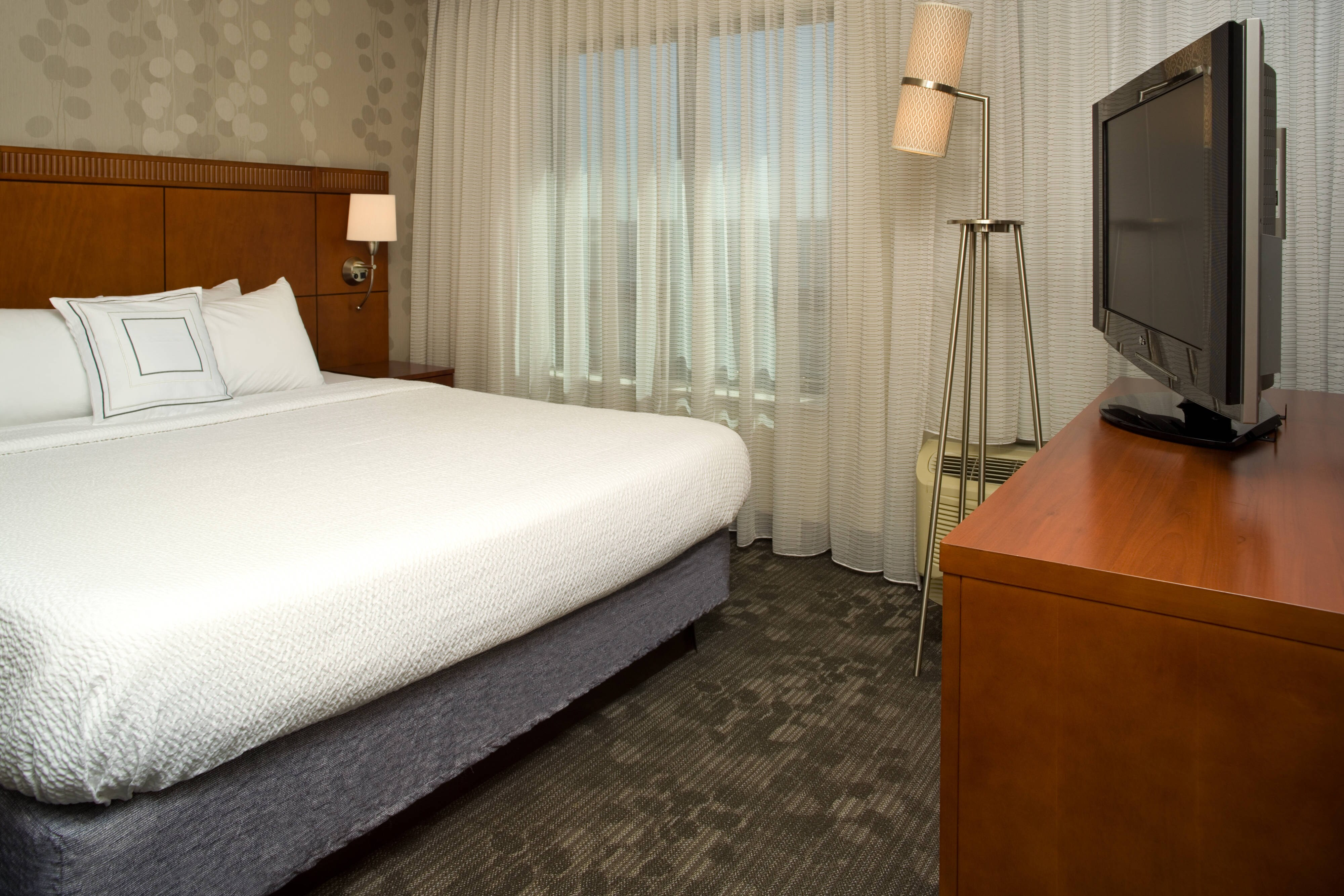 Navy Yard hotel king suite
