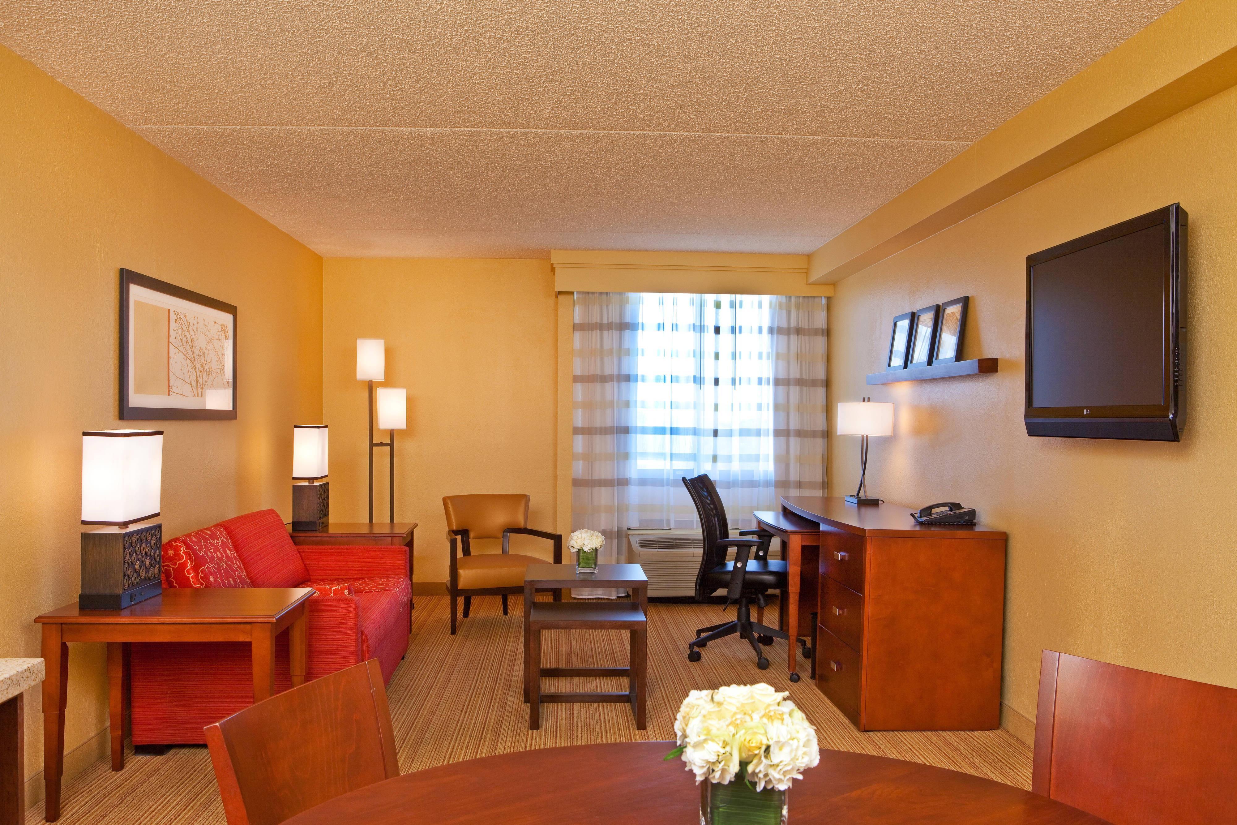 Alexandria, VA hotel suites