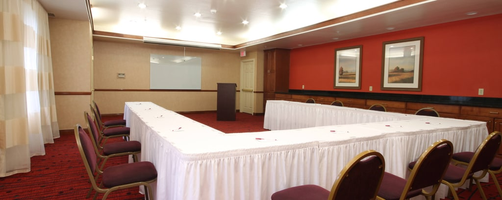 Potomac Mills hotel meeting room