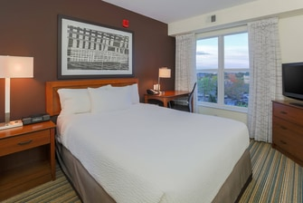 Woodbridge Virginia Suite Bedroom