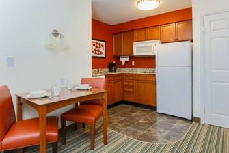 Woodbridge Virginia One-Bedroom Kitchen