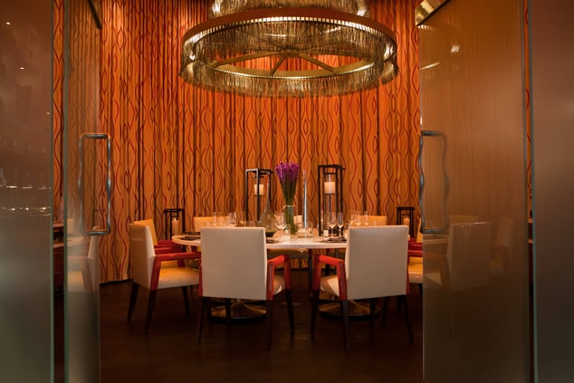 Downtown Arlington hotel private dining