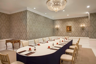Benjamin Franklin Boardroom Set-Up