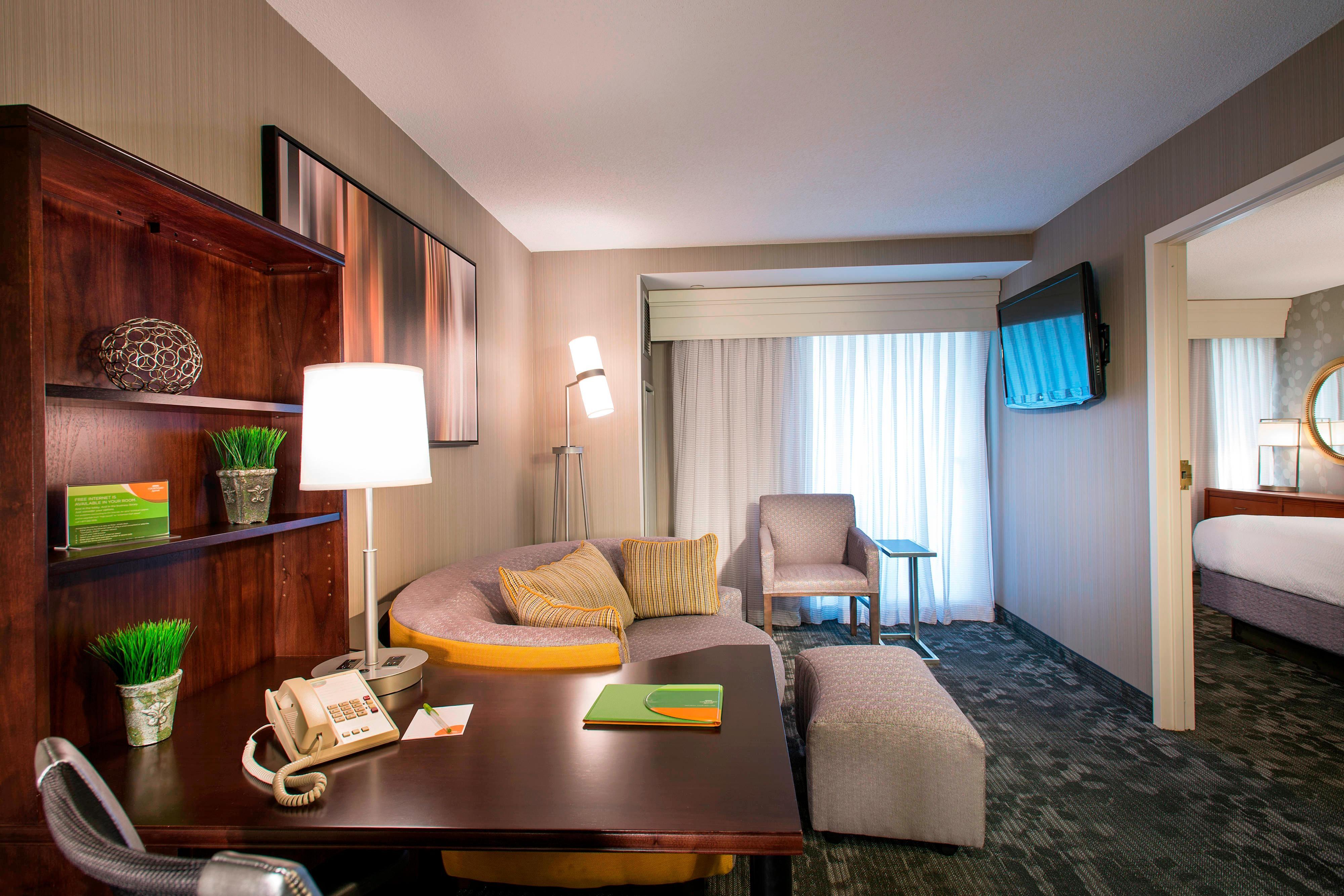King One-Bedroom Suite - Amenities