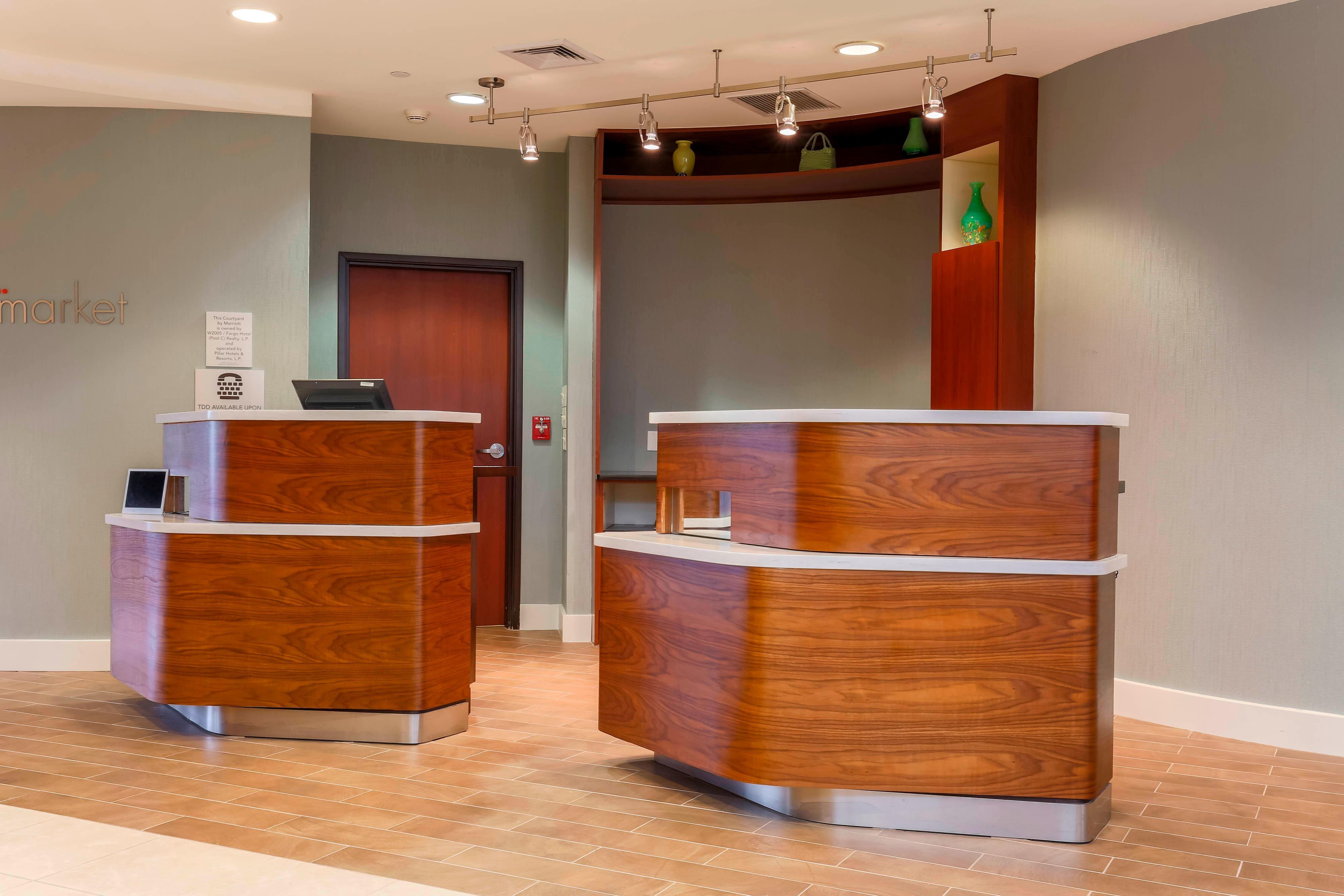 Woodbridge Virginia Hotel Front Desk