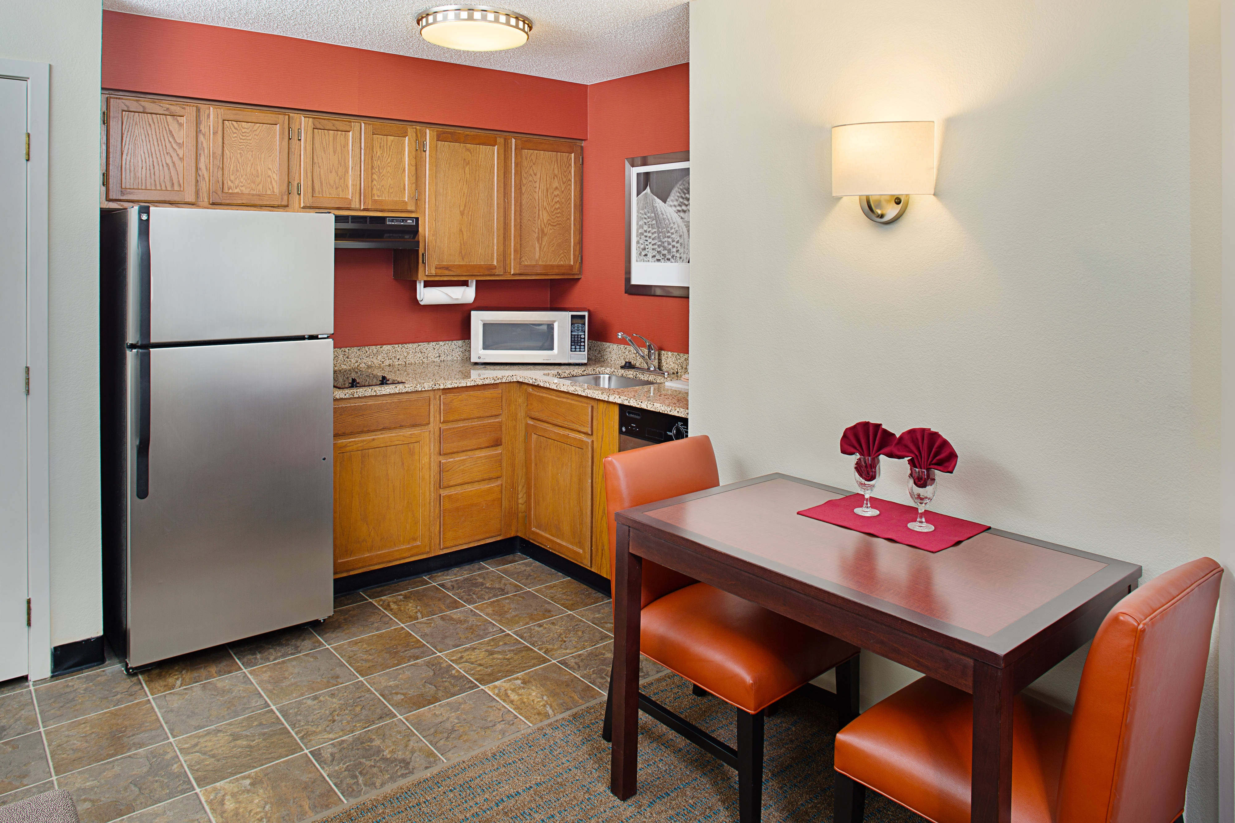 Studio & One-Bedroom Suite – Kitchen & Dining Area