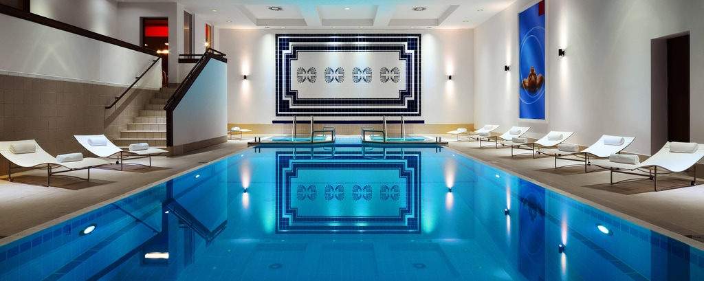 Warsaw hotel with swimming pool
