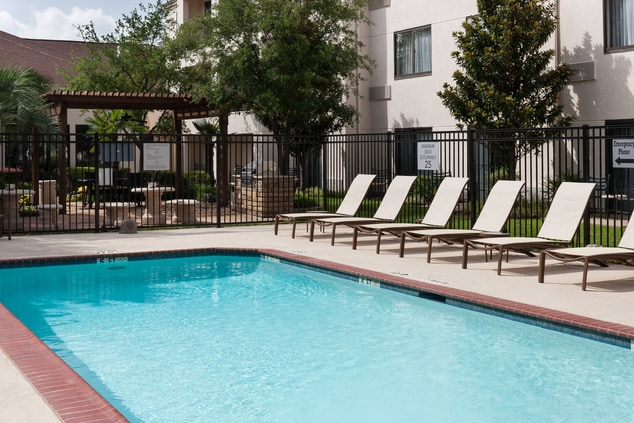 Courtyard Waco Outdoor Pool
