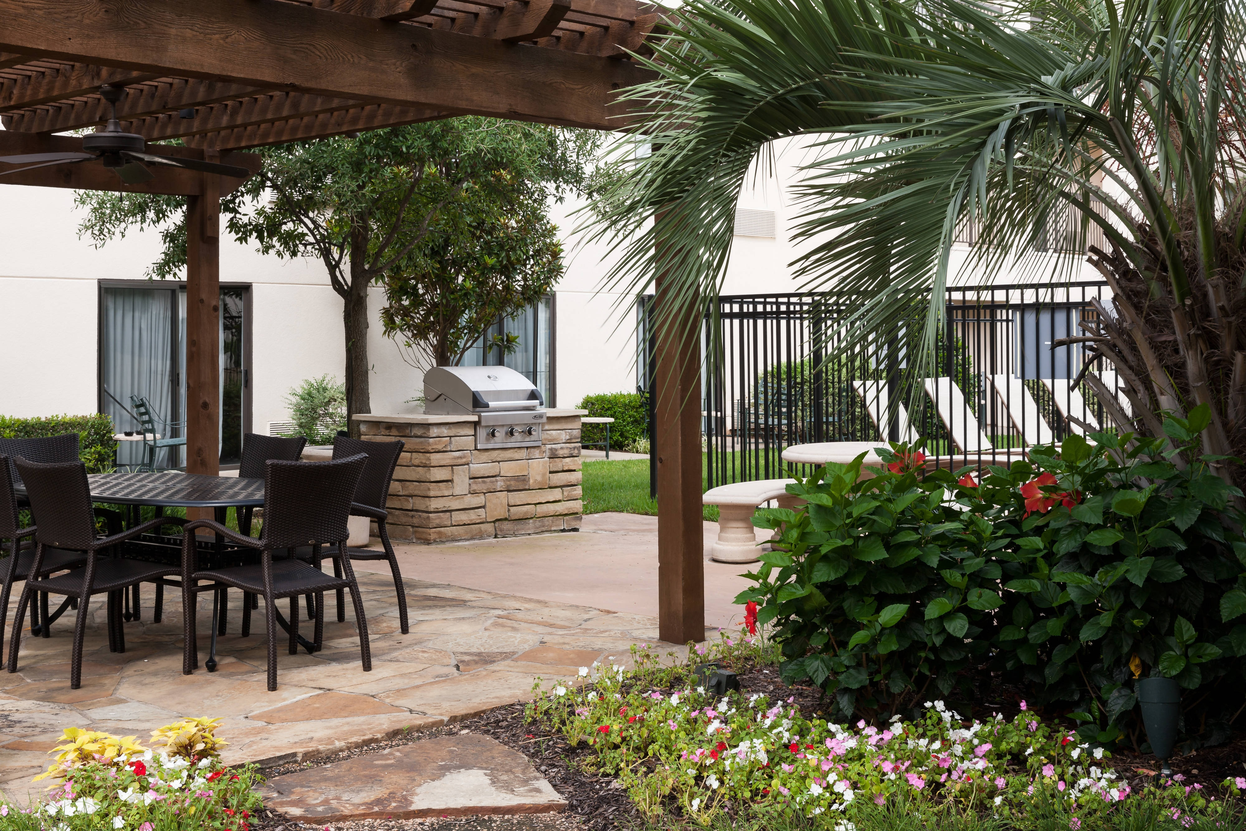 Courtyard Waco Outdoor Terrace