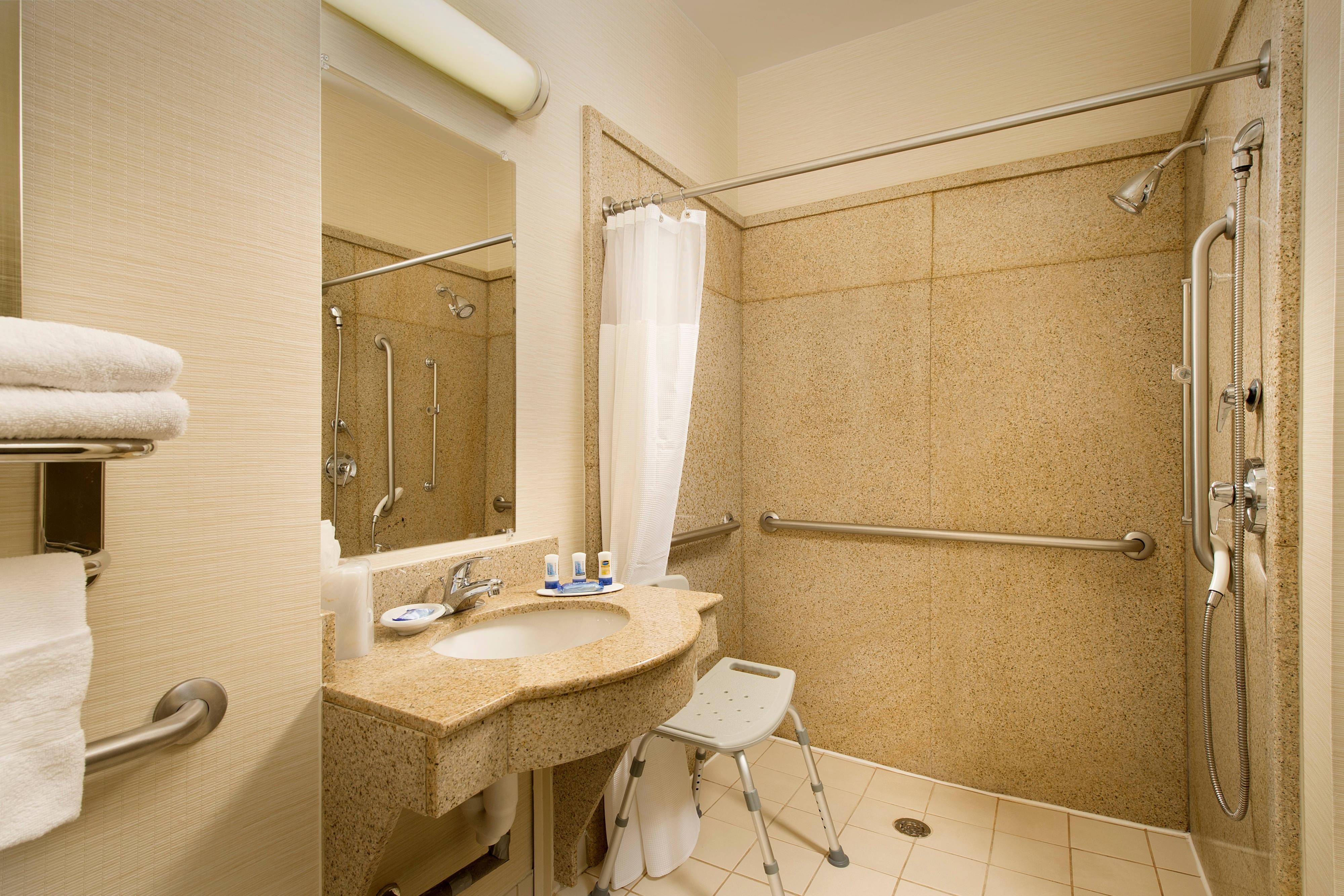 Waco TX Hotel Bathroom