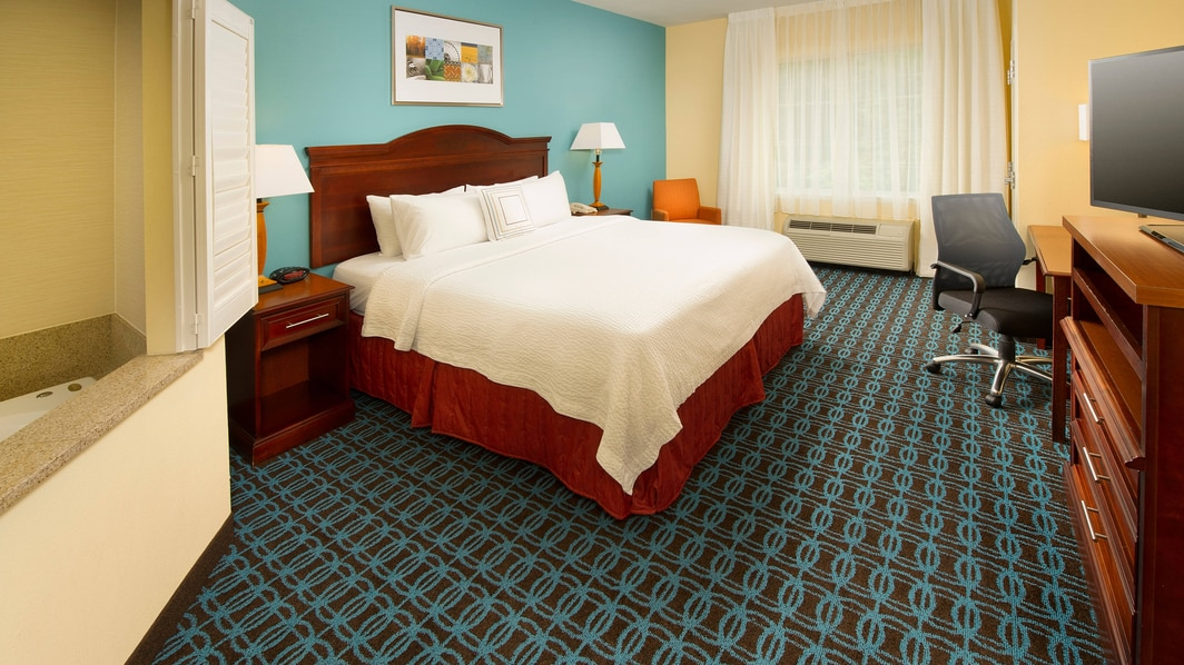 Downtown Waco Hotel with Suite