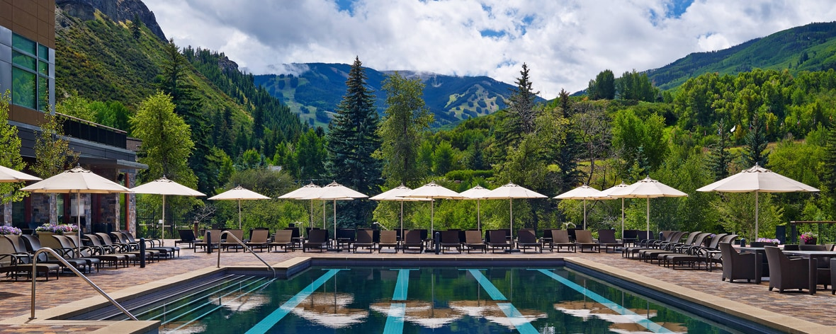 Piscina scoperta con vista su Beaver Creek