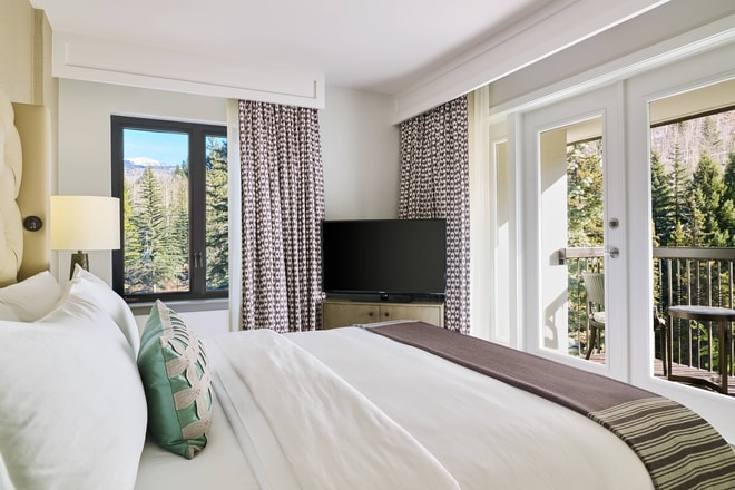 King Junior Mountain View Suite