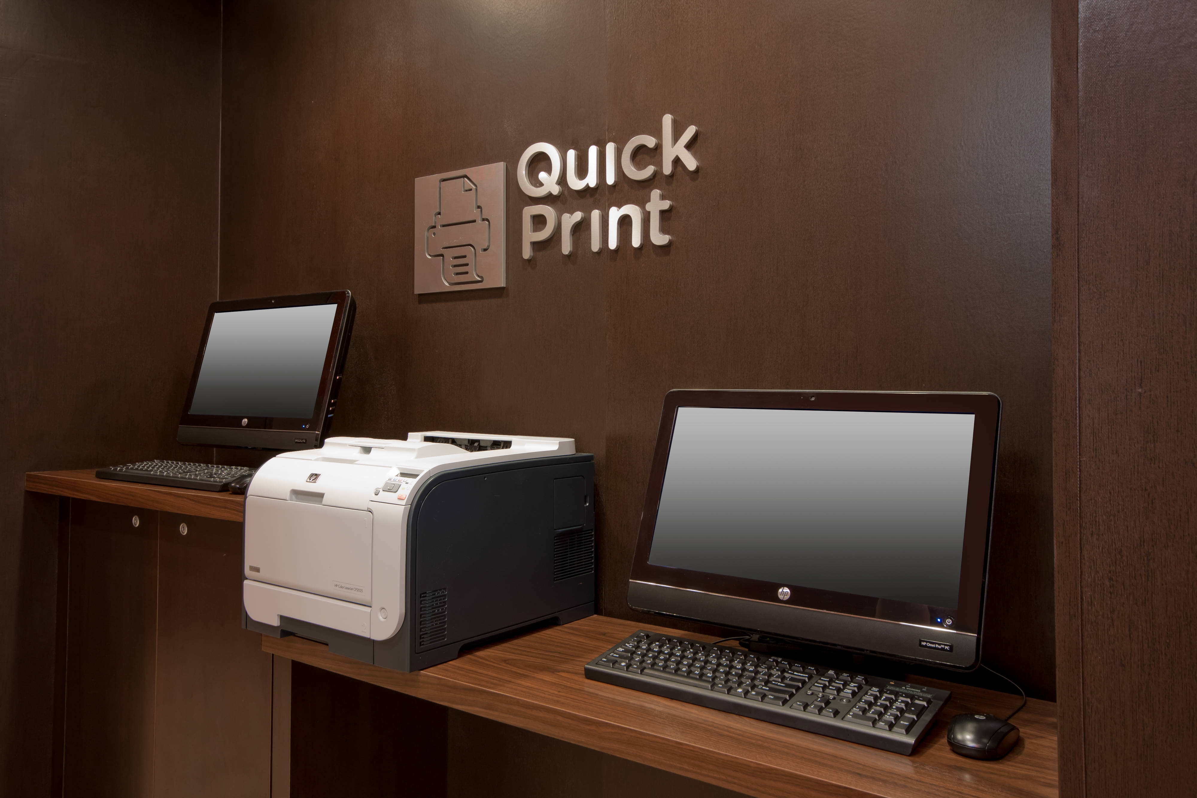 Palmdale California Hotel Print Station