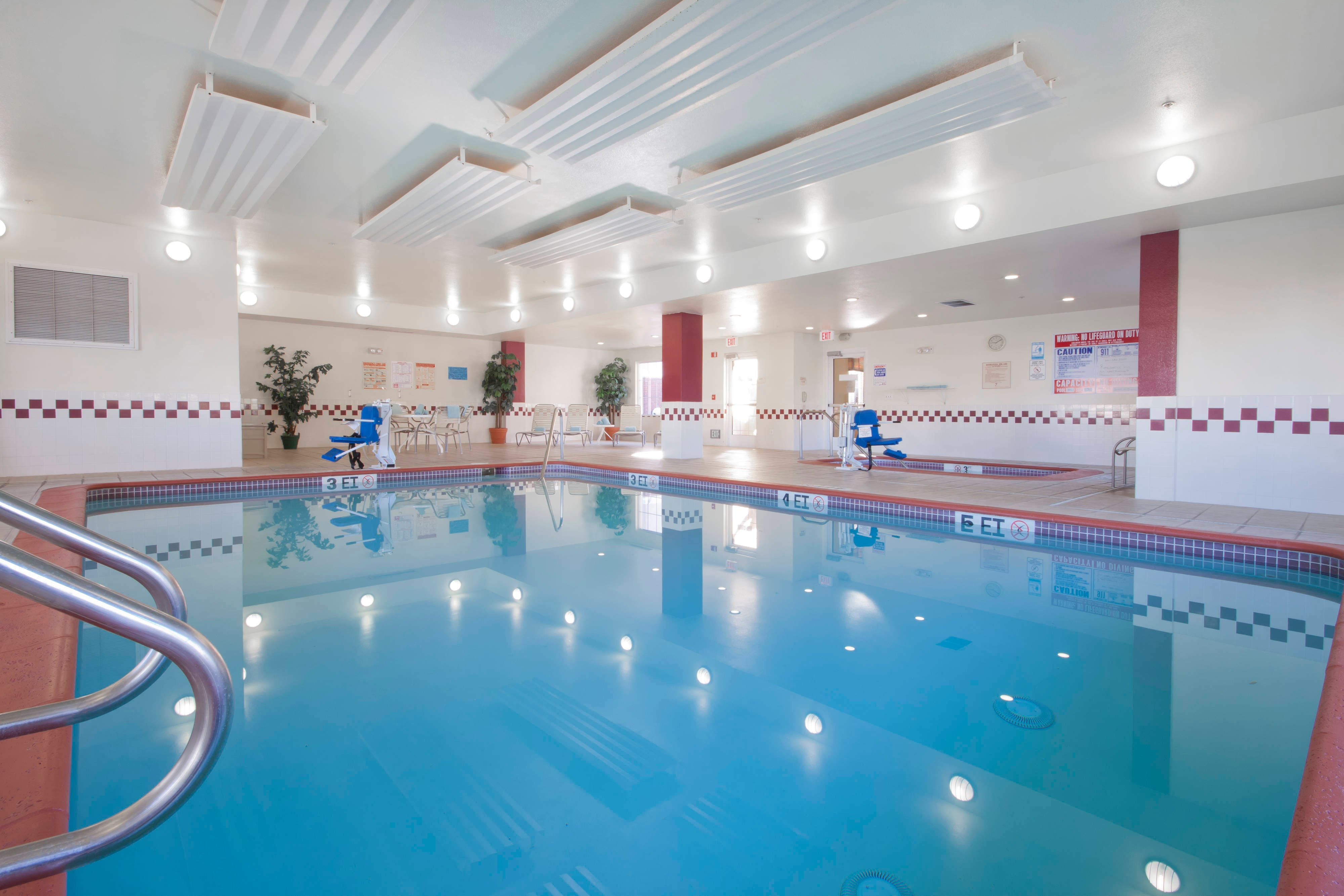 Palmdale California Hotel Indoor Pool