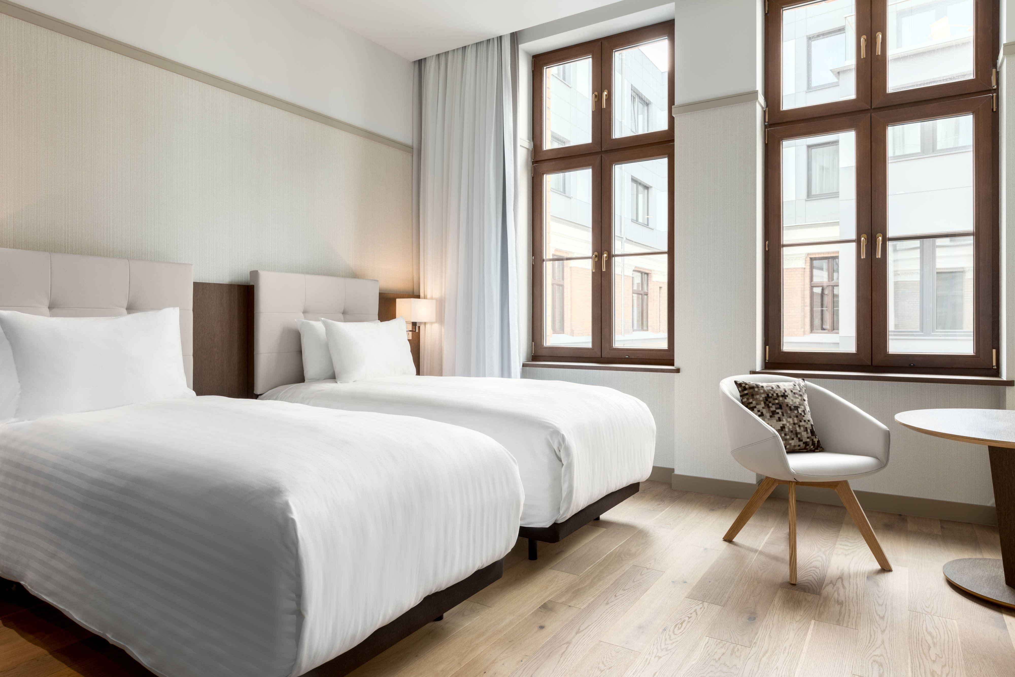 Standard Twin/Twin Guest Room