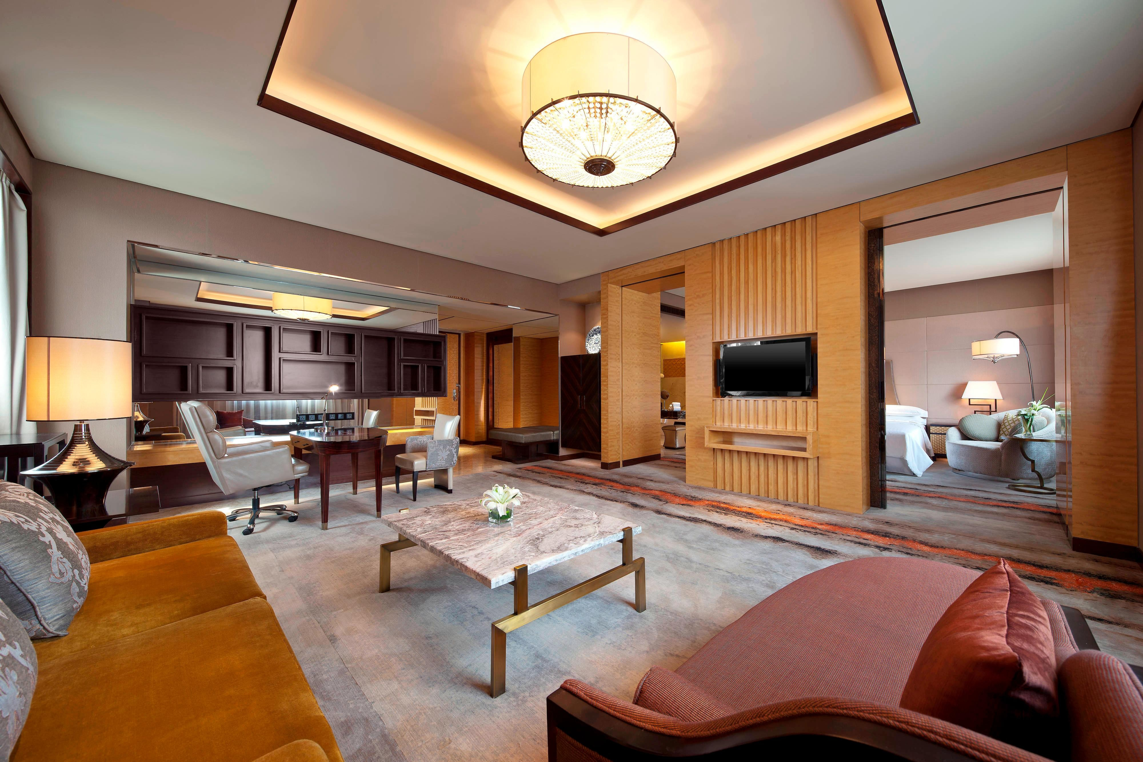 Deluxe Suite - Living Room