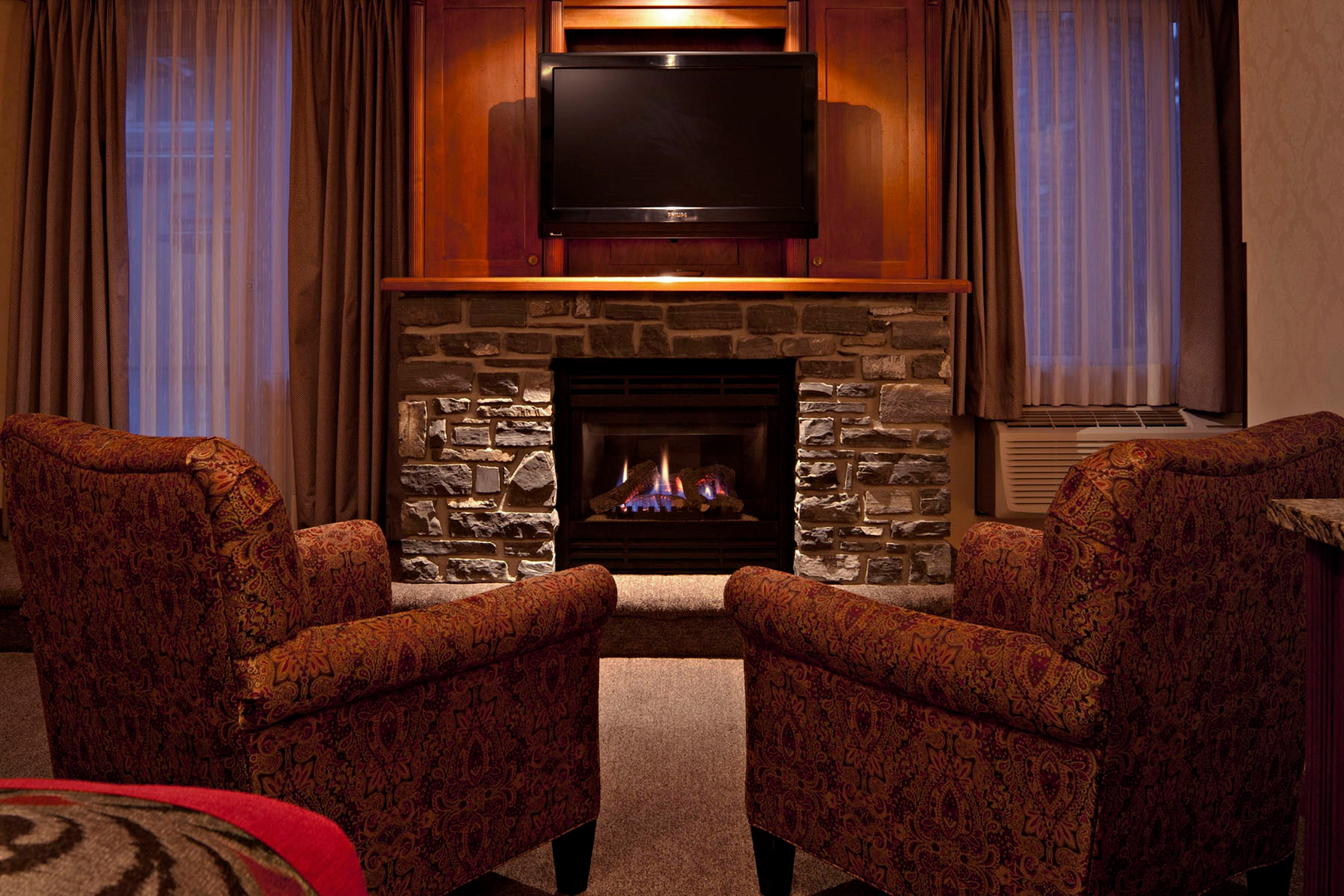 Executive King Suite Fireplace