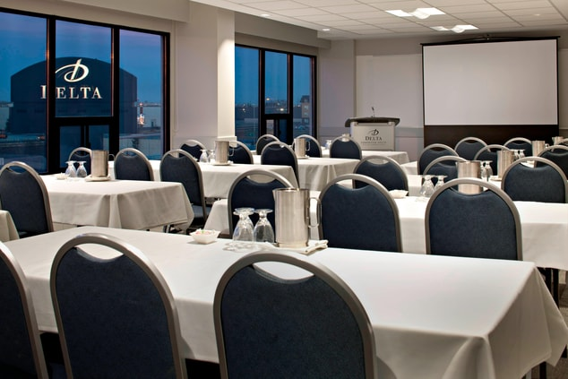 Calgary Meeting Room – Classroom Setup