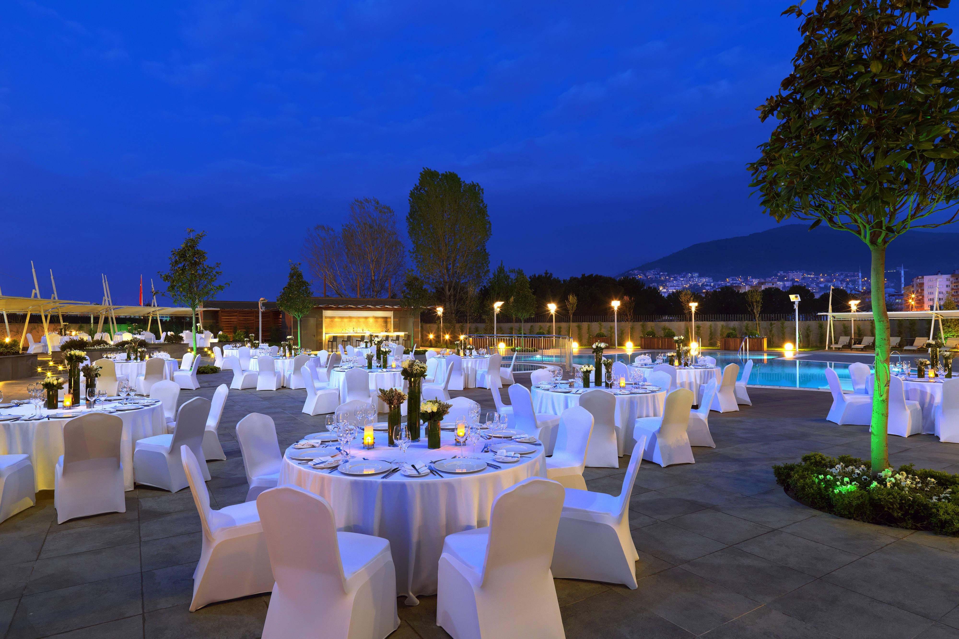 Outdoor Pool Wedding