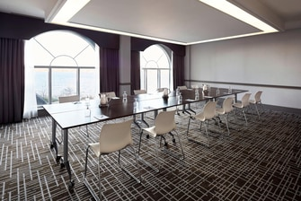 Delta Fredericton's Aberdeen Meeting Room