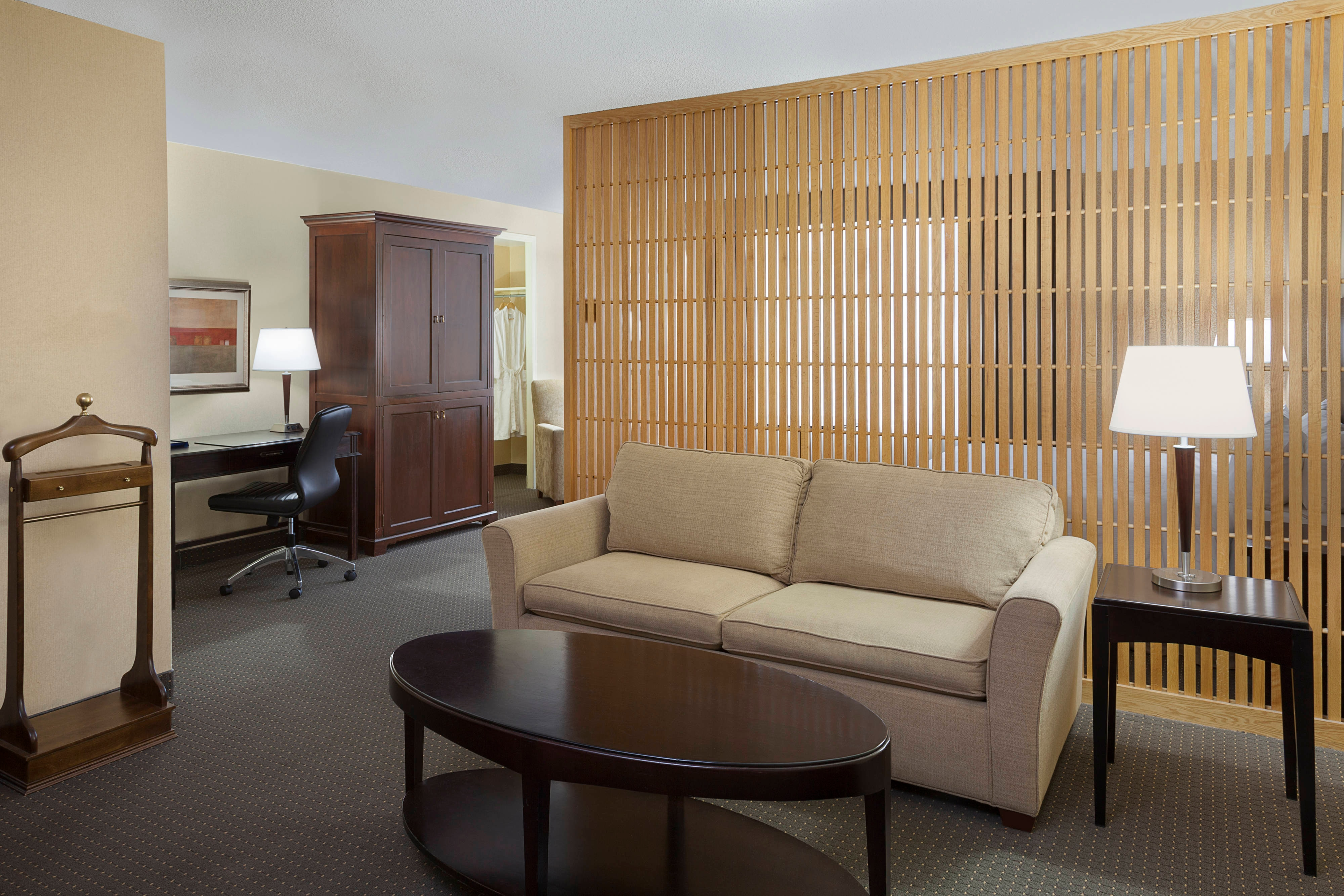 Junior Suite Partition
