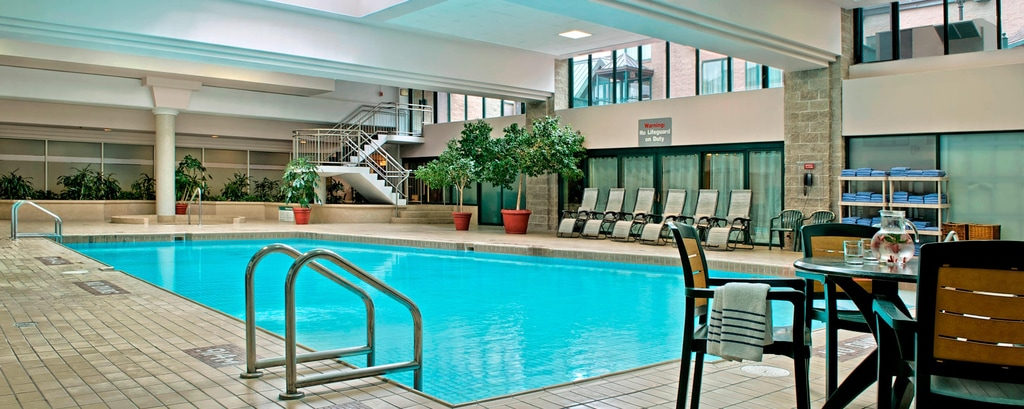 Hotel in Halifax mit Pool