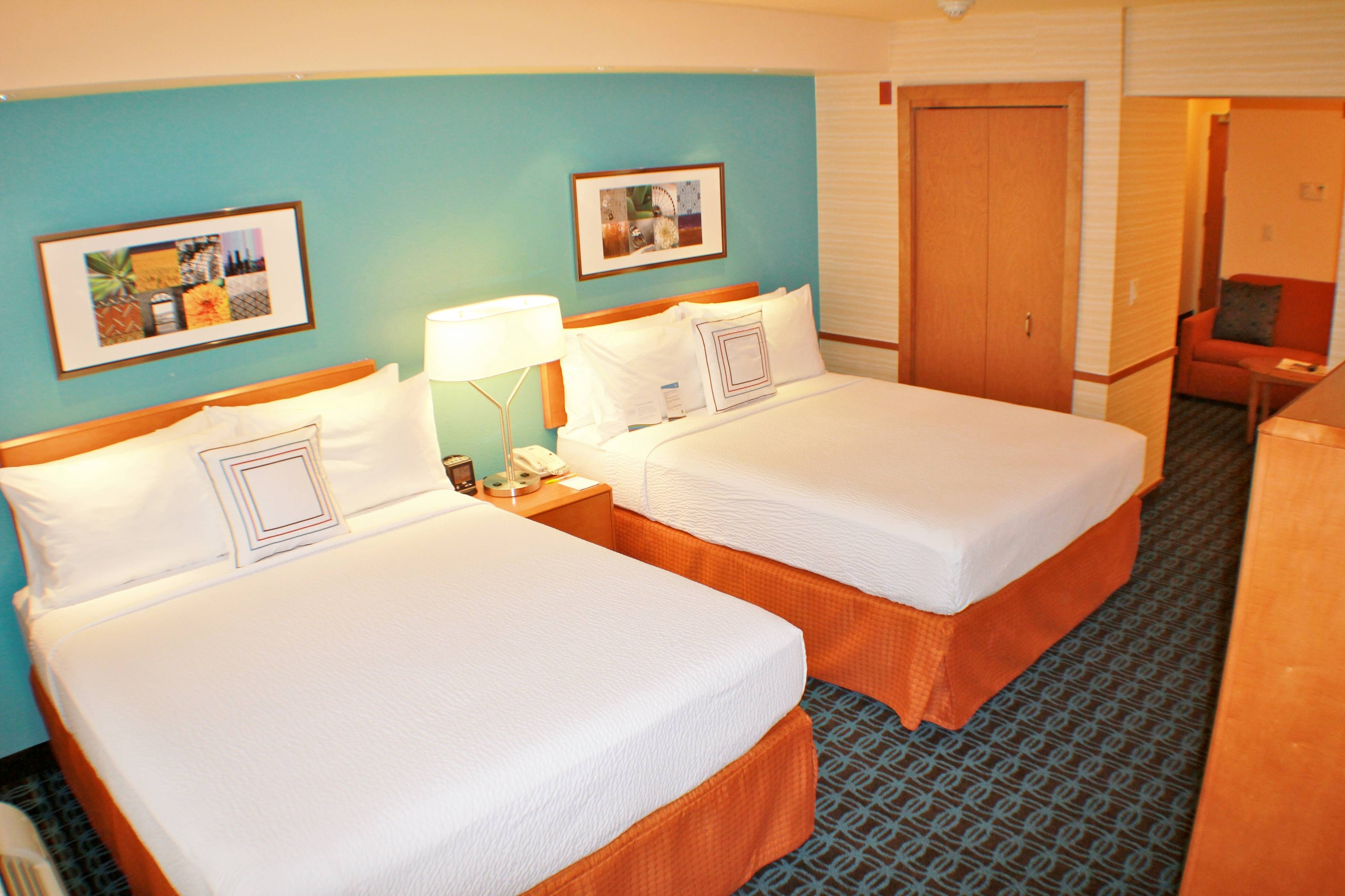 Fairfield Inn and Suites Rooms