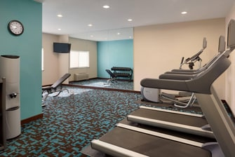 hotel fitness center youngstown ohio