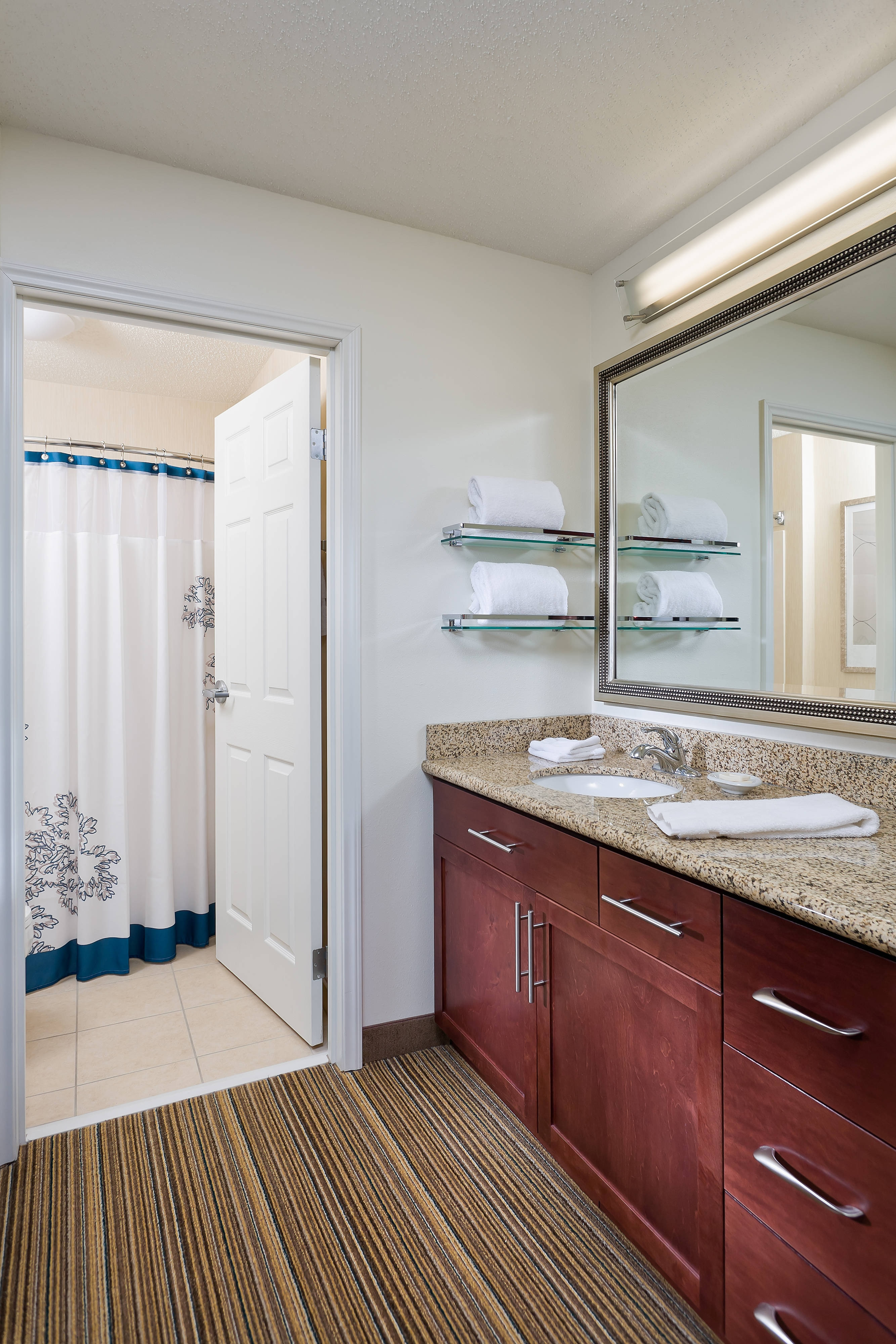 Suite – Bathroom