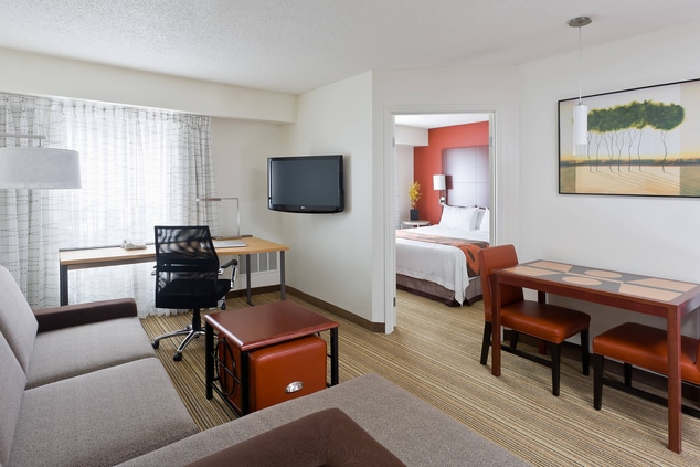 youngstown ohio hotel for business