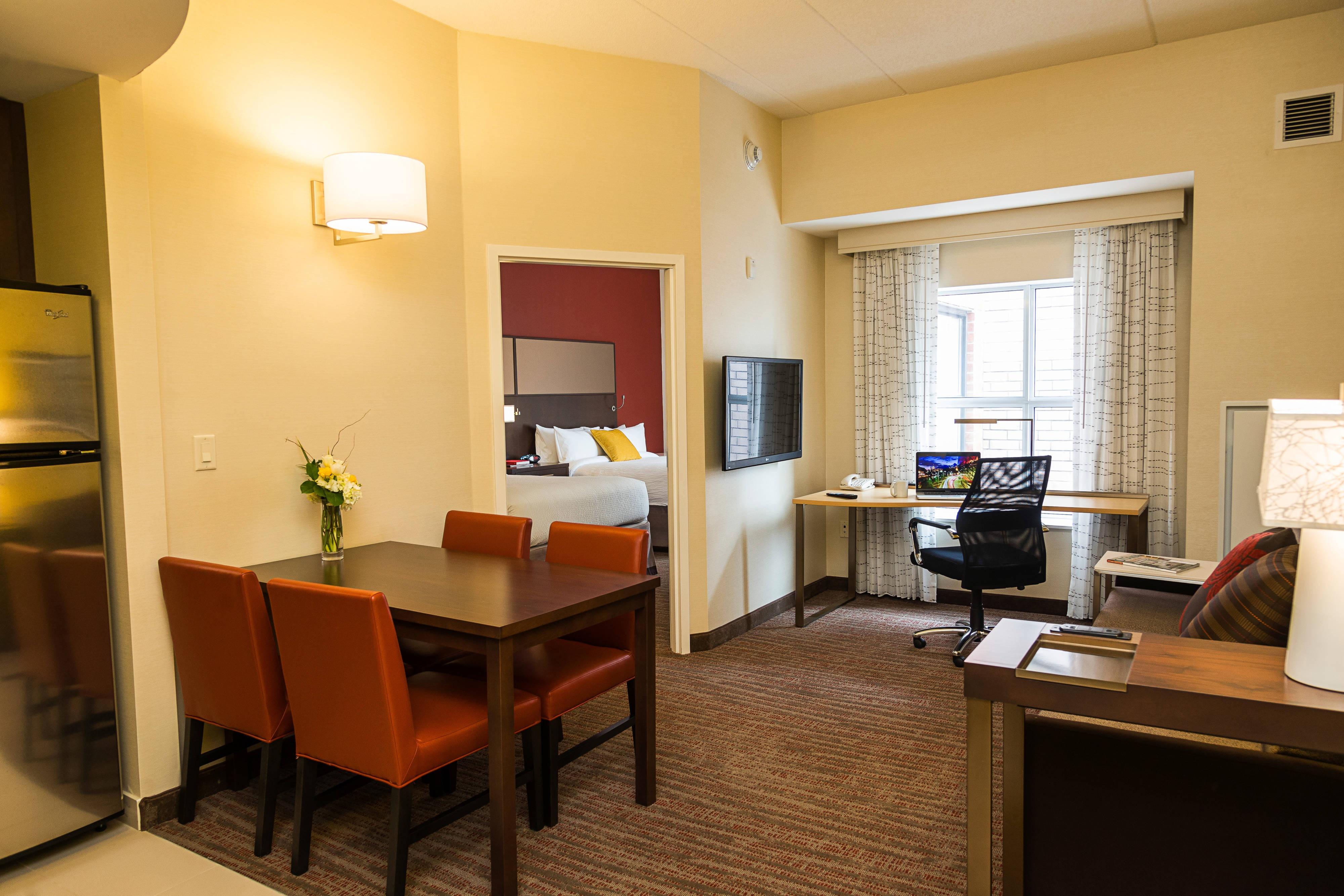 Queen/Queen One-Bedroom Suite