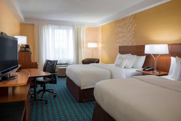 Fairfield Inn & Suites Queen/Queen Guest Room