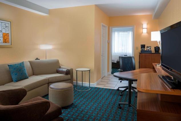 Fairfield Inn & Suites King Suite Living Room