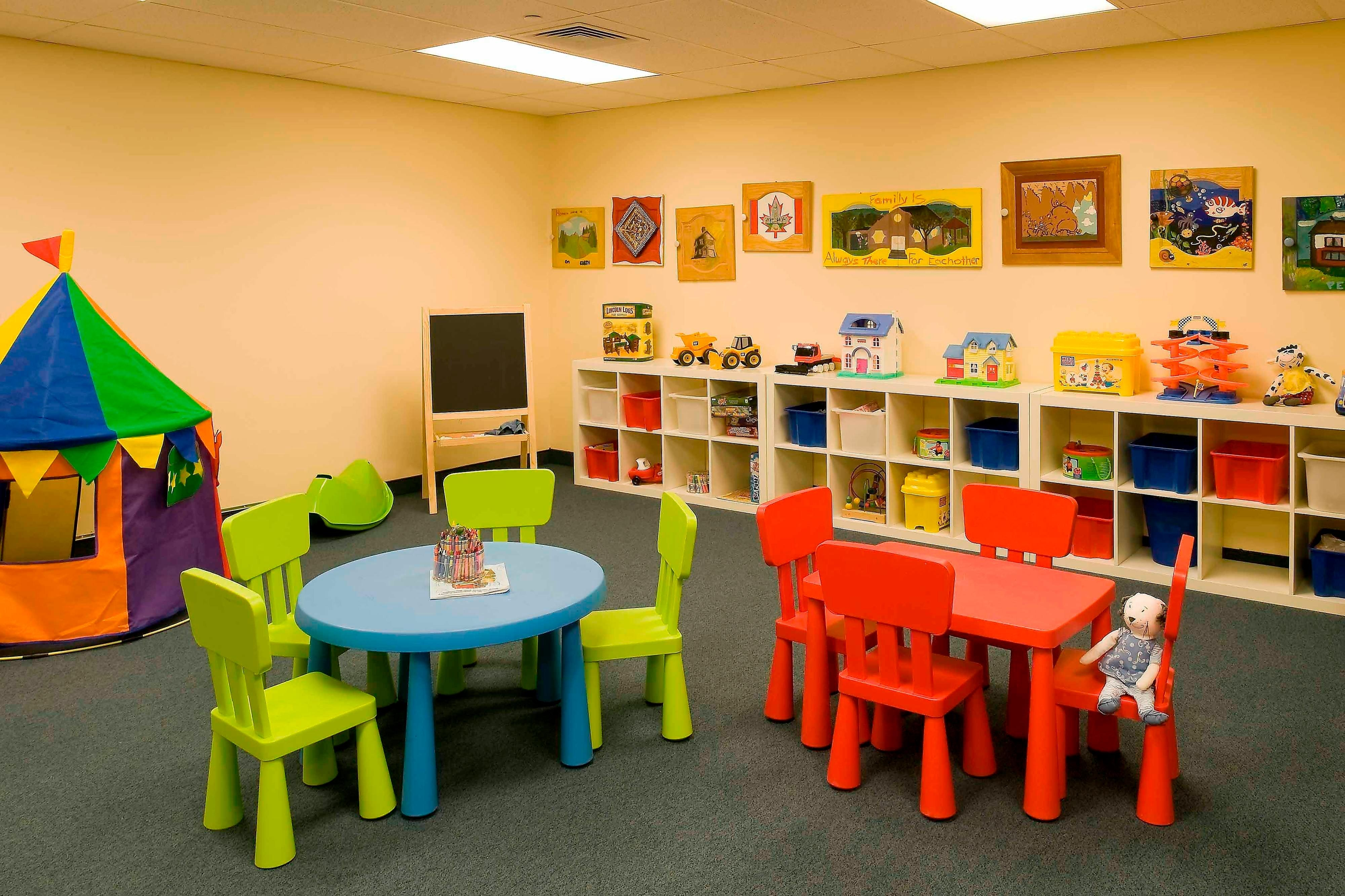 Ottawa family hotel kids playroom