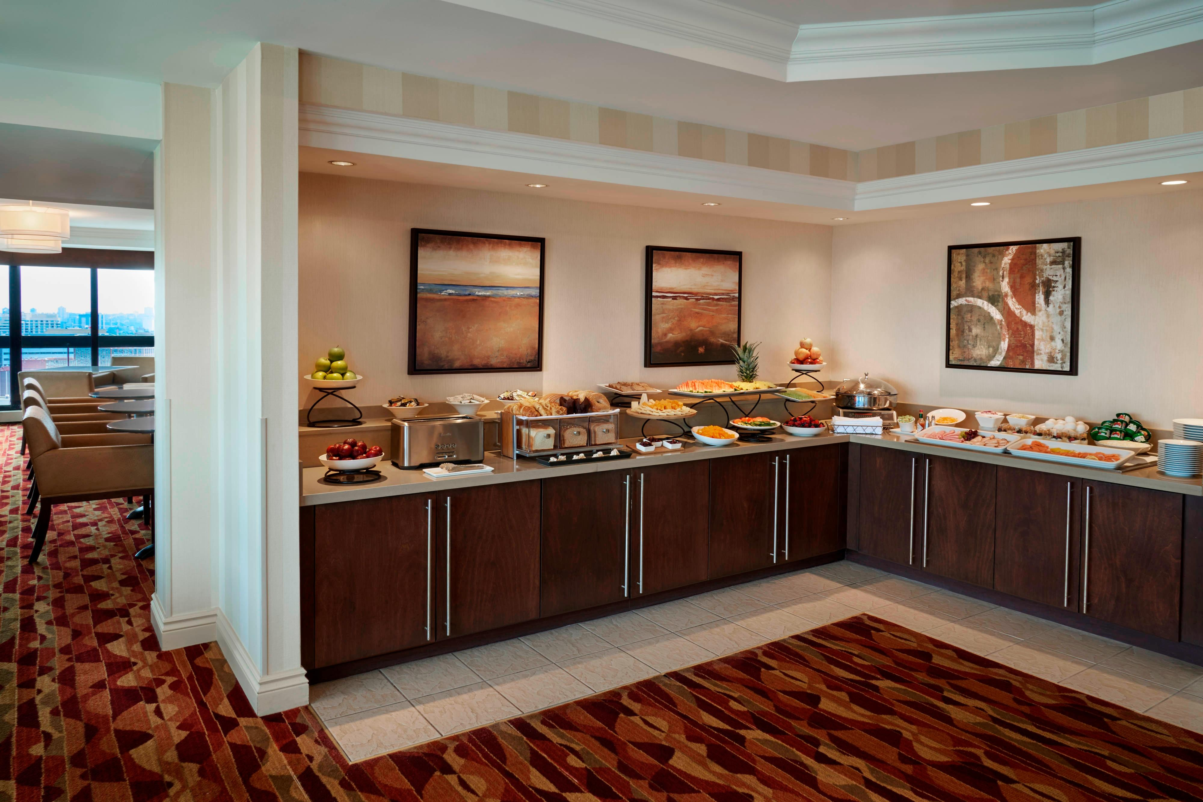 Concierge Lounge – buffet